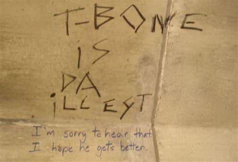 bathroom stall humor    entertain    forget  phone