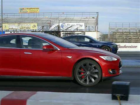 Hellcat Charger Vs Tesla by Tesla Model S P85d Vs Dodge Charger Srt Hellcat En V 237 Deo