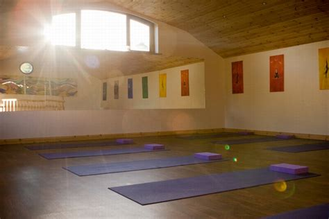 yoga limerick tutorial sportsyoga ie classes in two limerick locations sports