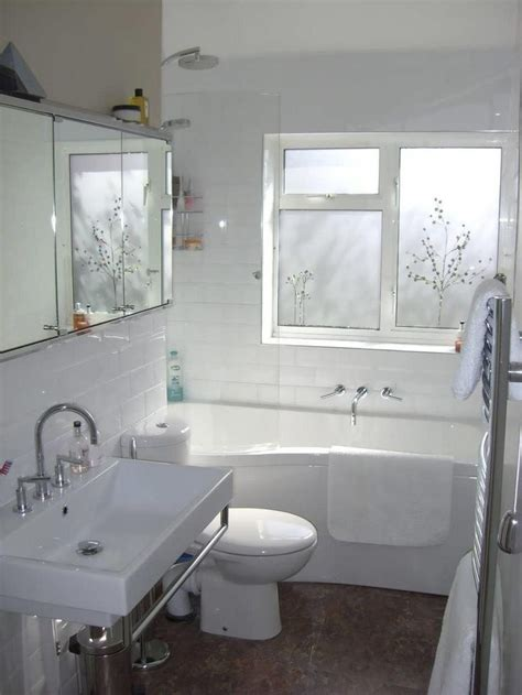 small narrow bathroom design ideas 1000 ideas about small narrow bathroom on