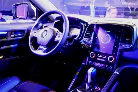 renault koleos 2017 interior 2017 renault koleos launched in the uae bahrain yallamotor