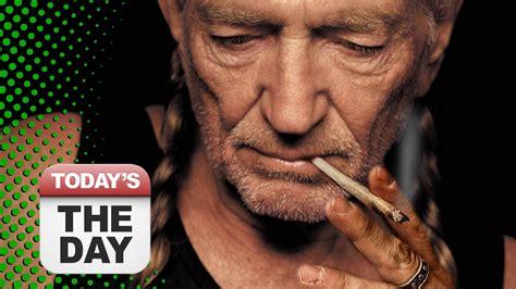 willie nelson smoking pot stories of the week willie nelson launching marijuana co