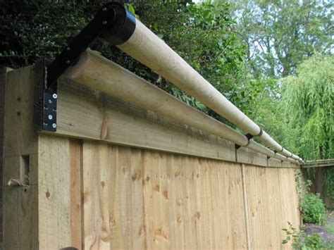 how to keep your cat in the backyard best 25 cat fence ideas on pinterest dog jumping fence