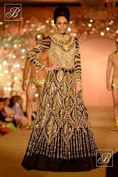 Dress Tradisional India Abu Abu bridal lehengas on ritu kumar neeta lulla and dongre