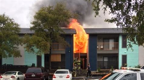 Apartment Complex West Side 18 Displaced After Damages West Side Apartment