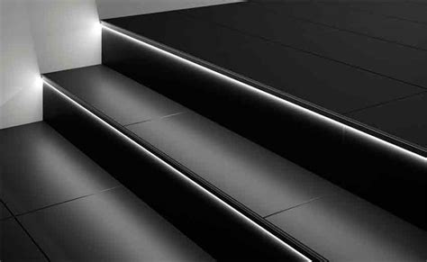 beleuchtung treppenstufe led lichtleisten profil treppe fliesen ledprofil liprotec