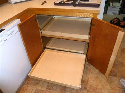 kitchen cabinets corner solutions 25 best ideas about corner cabinet solutions on pinterest