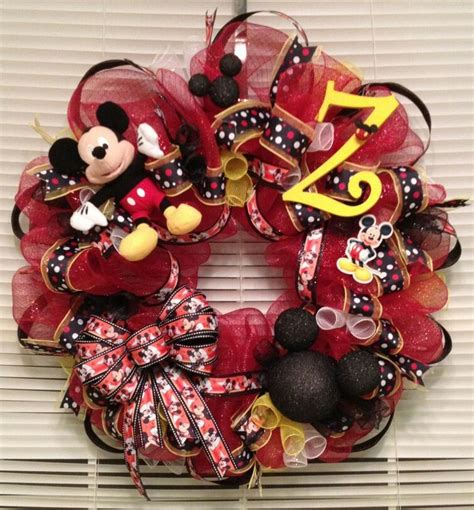 diy corona navide a de mickey mouse mickey s christmas wreath 17 best images about mickey mouse wreaths on pinterest