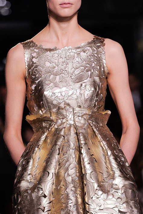 Shiny Fashion Tv Giles Deacon Gold by 25 Best Giles Deacon Ideas On Paper Clothes