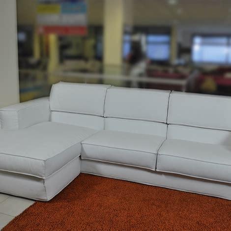 divano prezzo basso divano samoa angolare con penisola in tessuto bianco