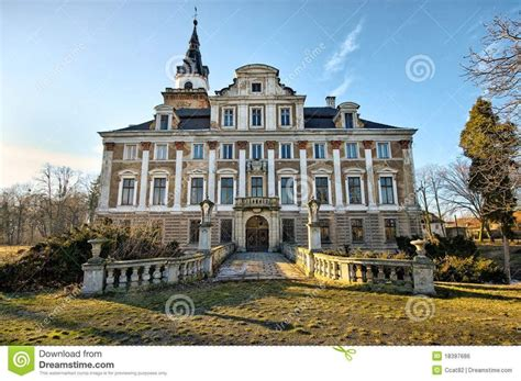 old mansions for sale cheap 25 best ideas about abandoned mansions on pinterest