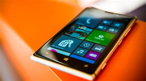 Jul 19 2013 Nokias Metal Lumia 925 Is A Looker James Martincnet | nokia lumia 925 review cnet