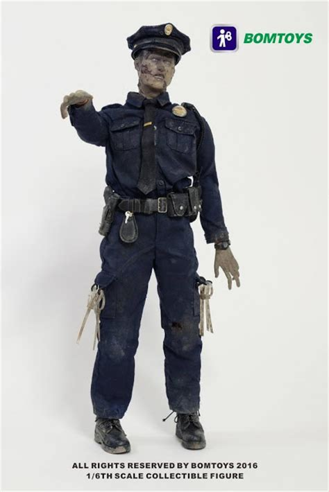 Bom Bom Toys Fashionista 1 toyhaven bom toys 1 6 scale officer 12 quot figure is going to be part of the walking