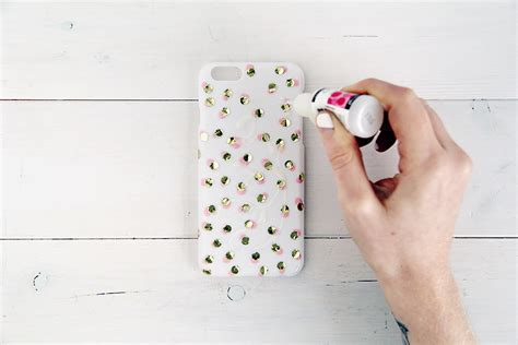 How To Decorate A Clear Phone by Diy Festive Phone Design Sponge