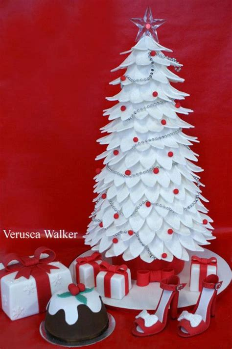 easy classy christmas tree from fondant 642 best images about decor dessert table on