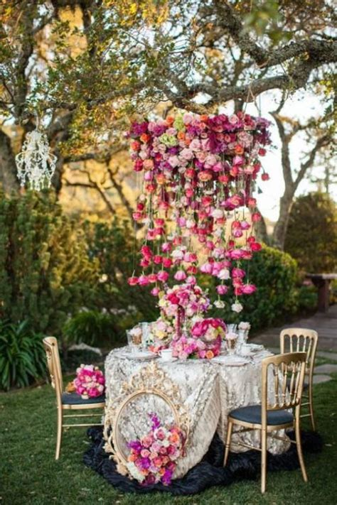 30 Gorgeous Hanging Flowers Decor Ideas Overhead At Your Flower Garden Wedding