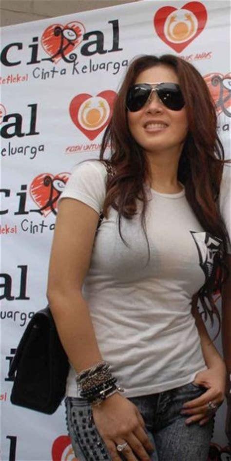 singer syahrini singer pop popular