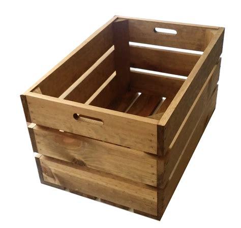 alacena con cajas de madera caja de madera envejecida