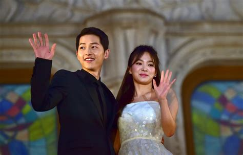 korea actor and actress news photo gallery stars of south korean hit tv show marry in