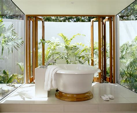 25 wonderful tropical bathroom design ideas