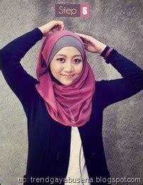Jilbab Segi Empat Jodha Emas trend gaya busana