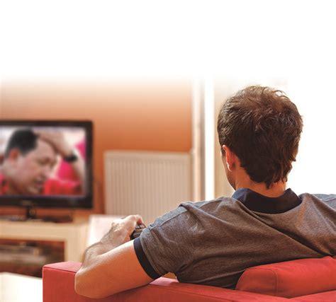 imagenes graciosas viendo television im 225 genes viendo tv imagui