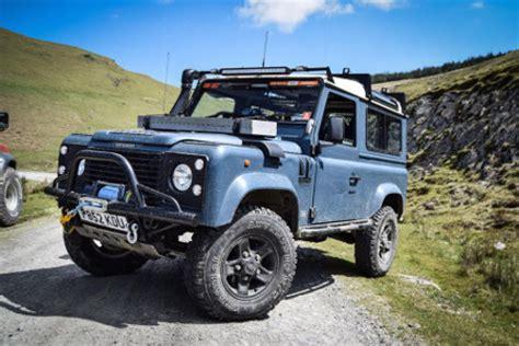 Stiker Mobil Defender 90 Pernik Offroad 4x4 dixon fabrication ltd rock sliders tank guards winch bumpers land rover road
