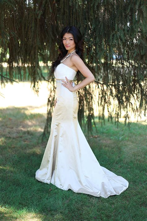 lace wedding dress pencil skirt by