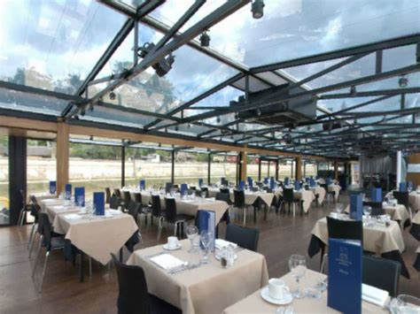 thames river boat symphony thames lunch cruise dine on london s floating restaurant