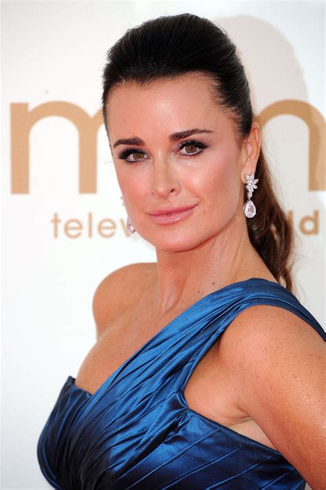 kyle richards needs to cut her hair kyle richards ponytail kyle richards hair looks