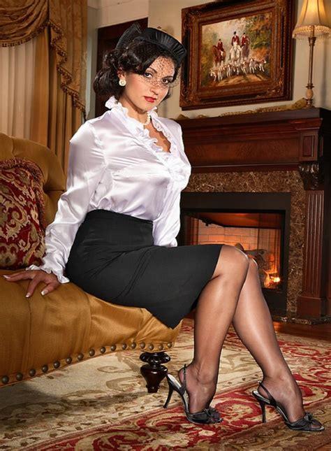 Arneta Lace Xl secrets in lace sheer heel and toe