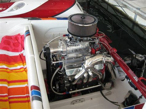 small boat with engine an all aluminum small block 454 supercharged boat