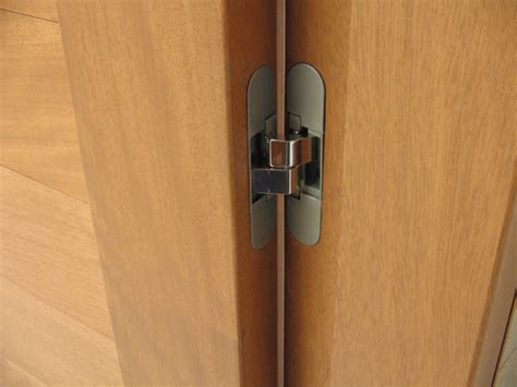 cerniera interna porta 2 fabbro serramenti