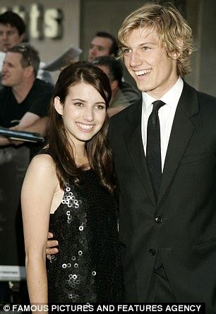 film con emma roberts e alex pettyfer emma roberts on stepping out of her famous aunt julia s