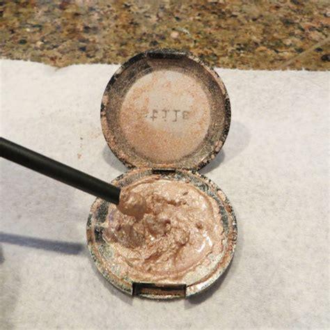 Eyeshadow Kering berbagai trik makeup yang buat hidupmu lebih mudah