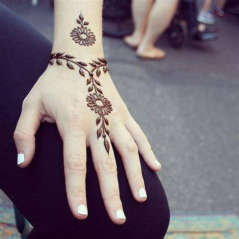 where can i get henna tattoos done 25 best ideas about beginner henna designs on