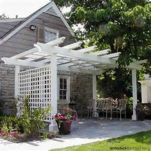 Pergola Or Trellis by What Is The Difference Between An Arbor Trellis And