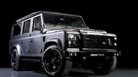land rover modified urban truck shows off their modified land rover defender