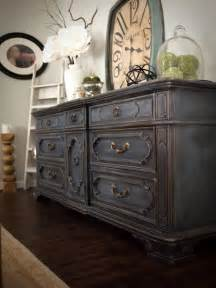 chalk paint bedroom furniture 25 best ideas about chalk paint dresser on pinterest
