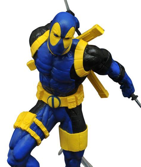 Marvel Legend Deadpool Blue Suit Series 1 sdcc 2017 exclusive marvel gallery deadpool iron statues marvel news