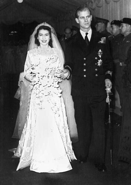hochzeitskleid der queen queen elizabeth ii und prinz philip das wussten sie