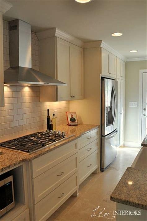 Cream Kitchen Cabinets With White Trim Quicua Com