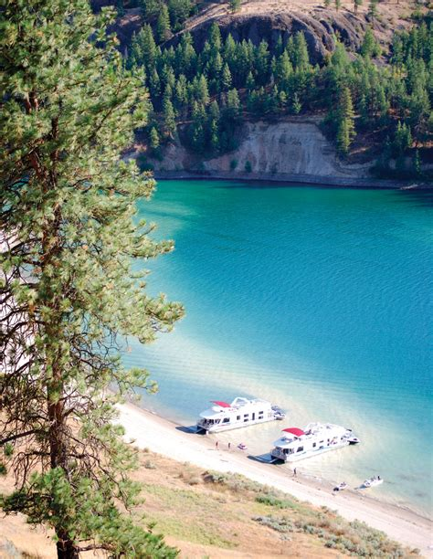 lake roosevelt cing 15 amazing northwest cabin destinations seattle met