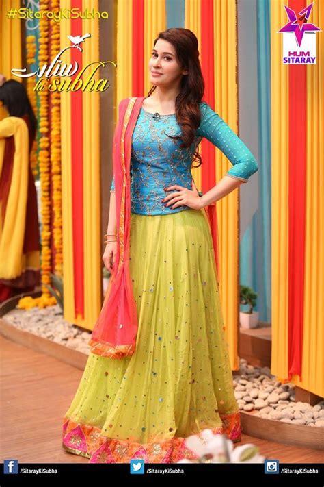 pakistani mehndi dress  saree designs lehnga dress