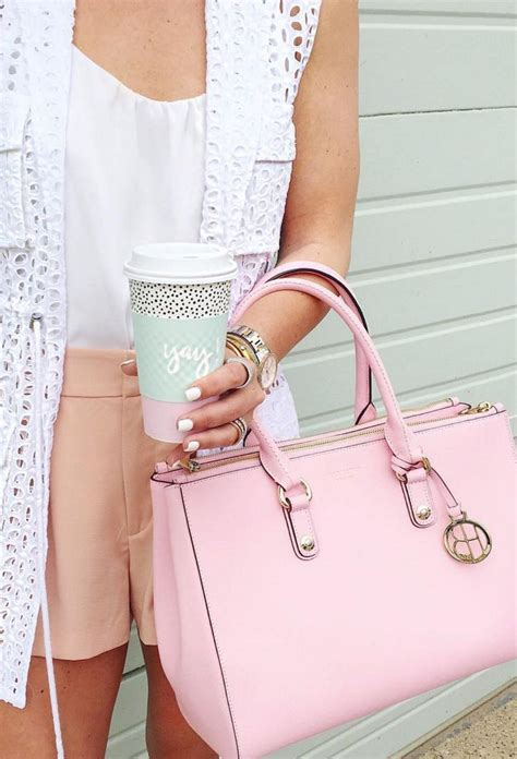 Gadget Of The Day A Must Designer Handbag by Best 25 Luxury Handbag Brands Ideas On Luxury