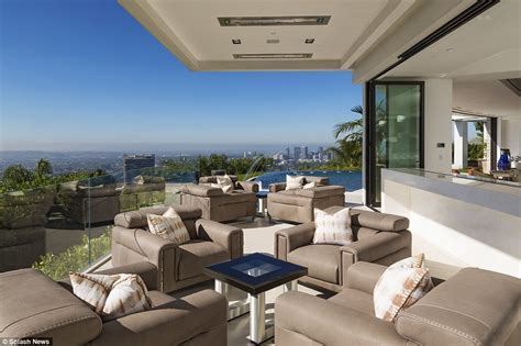 beyonce and z outbid on 70m beverly mansion by