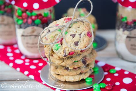 christmas gift cookie mix in a jar giveaway
