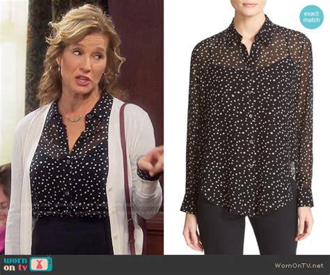 Travis Blouse wornontv vanessa s black print blouse on last