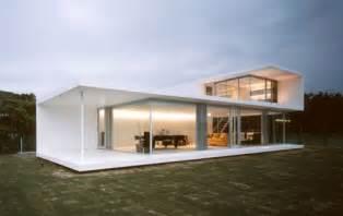 Simple Modern House Simple Modern Homes 187 Modern Home Designs