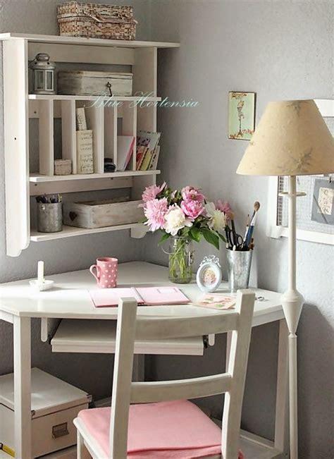 tiny corner desk 100